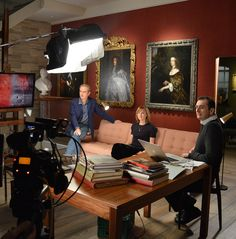 Series 5 - Fake or fortune (BBC) Fiona Bruce, Antiques Roadshow, Tv Presenters, Bbc News, Creative Art, British, This Or That Questions, Entertainment, Sculpture