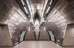 Breathtaking Photos Celebrate 150 Years of the London Tube - My Modern Metropolis Underground Tube, London Underground, Metro Subway, Anniversary Photography, London Architecture, Mind The Gap, London Transport, Modern Metropolis, Metro Station
