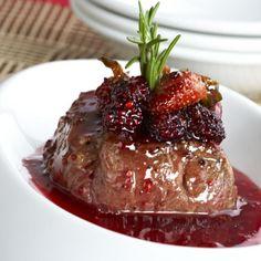 Lomo de cerdo en reducción de frutos rojos
