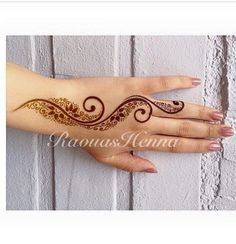 34 ideas tattoo flower hand mandalas for 2019 Finger Henna Designs, Eid Mehndi Designs, Mehndi Patterns, Latest Mehndi Designs, Arte Mehndi, Mehndi Art, Henna Mehndi, Henna Art, Unique Henna