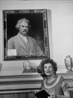 Clara Samossoud Looks over Items Available for Auction That Belonged to Her Father, Samuel Clemens