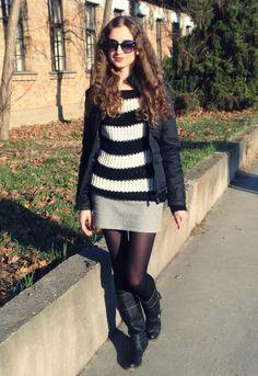 #fetishpantyhose #pantyhosefetish #legs #heels #blogger #boots #pantyhose #collant #black
