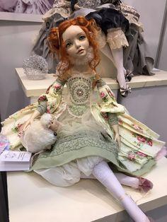 """Москва """"Гостиный двор"""" 2016 - Международная выставка """"Искусство куклы"""" - мой взгляд / Выставка кукол - обзоры, репортажи, информация, фото / Бэйбики. Куклы фото. Одежда для кукол"""