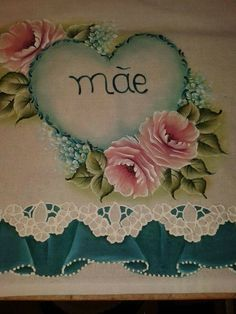 Dia das mães One Stroke Painting, Fabric Painting, Folk Art, Diy And Crafts, Scrapbook, Lace Painting, Bird Drawings, Towel Crafts, Painting On Tiles