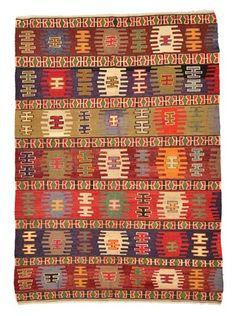 Vintage Sivas Kilim Rug around 30 years old.