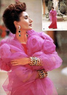 Nati es la más grande! Richard Avedon, Harper's Bazaar, Beautiful Old Woman, Rainbow Connection, Princess Caroline, Ageless Beauty, High Society, Cultura Pop, Valentino Garavani