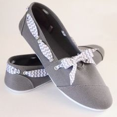 rivets and bows sneaks makeover