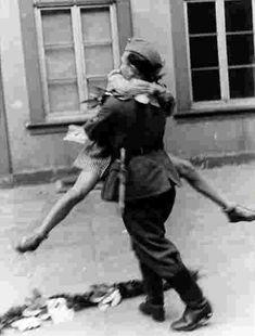 retrouvaille d'un couple après la guerre