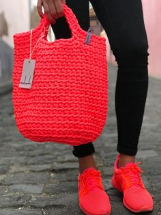Tote Bag Scandinavian Style Crochet Tote Bag Handmade Bag Knitted Handbag Gift for Her NEON PINK color : Scandinavian Style Crochet Bag Minimalistic Easy care Washable Color retention Super strong 38 cm width x 46 cm height polyester handmade Crochet Tote, Crochet Handbags, Crochet Gifts, Crochet Ideas, Scandinavian Style, Minimalist Scandinavian, Smart Casual Outfit, Tote Bags Handmade, Handmade Gifts