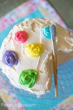 How to make an easy paint palette birthday cake for an art party! So simple, the kids can help!