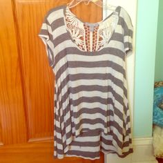 top  High-low top. No piling or stains. Super soft and light. Make an offer! Tops Blouses