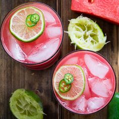 Recipe, grocery list, and nutrition info for Jalapeno Watermelon Margarita. Sweet and spicy Jalapeno Watermelon Margaritas made from fresh watermelon puree and jalapeno infused tequila. Get your weekend started with some heat! Watermelon Pizza, Watermelon Margarita, Sweet Watermelon, Margarita Party, Coconut Margarita, Jalapeno Margarita, Margarita Recipes, Drink Recipes, Triple Sec