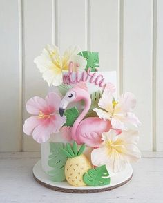 Diy Flamingo Party – A complete manual – … - Birthday Cake Flower Ideen Tropical Home Decor, Tropical Party, Tropical Interior, Tropical Furniture, Flamingo Party Supplies, Baby Supplies, Flamingo Birthday, Girl Cakes, Themed Cakes