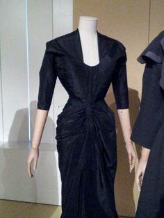 Madam gres Vintage Inspired, Vintage Style, Retro Vintage, Vintage Fashion, Vintage Gowns, Vintage Clothing, Vintage Outfits, Silk Taffeta, Queen