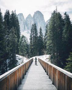 beautifuldestinationsWeekend adventures 🌲(📷: @moners)