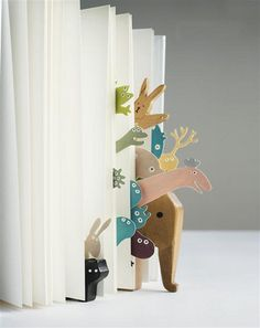 Bookmarkers ~ super cute - It would be cool to make this into an art project some how.