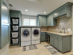 Basement Laundry Room Decorations Ideas And Tips 2018 Small laundry room ideas Laundry room decor Laundry room makeover Farmhouse laundry room Laundry room cabinets Laundry room storage Box Rack Home Mudroom Laundry Room, Laundry Room Layouts, Laundry Room Remodel, Laundry Room Cabinets, Small Laundry Rooms, Laundry Room Organization, Laundry Room Storage, Laundry Room Design, Closet Storage