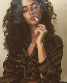 "hotgsmokers: "" driflloon: ""chiara scelsi by dustin phil "" Yum "" Pretty People, Beautiful People, Smoking Ladies, Girl Smoking Art, Foto Casual, Female Character Inspiration, Woman Drawing, Drawing People, Pretty Face"
