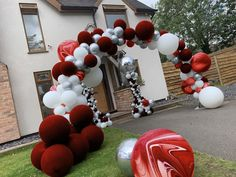 Organic Balloon Display Balloon decorations for parties, weddings and corporate events. Balloon Display, Balloon Arch, Balloon Garland, Balloon Decorations, Balloons, Balloon Ideas, Wedding Proposals, String Of Pearls, Circus Party