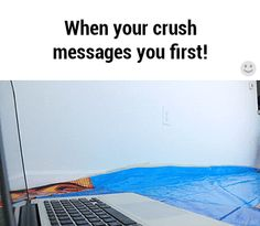 When your crush messages you first - Funny Troll & Memes 2019 Funny Crush Memes, Crush Humor, Crush Quotes, Text Messages Crush, Funny Text Messages, Funny Pranks, Funny Jokes, Hilarious, Funny Troll