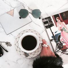 Morning☕️ Happy Friday loves! Bom dia e uma sexta feliz pra todos nós! #coffee  #friday