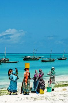 Women waiting for their (fisher)men on Zanzibar beach