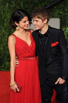 Selena Gomez and Justin Beiber #cutecouple #red #dress