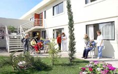 Resultado de imagen para imagenes de casas para cuidado de adulto mayor