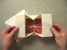 Enveloppe qui s'ouvre en boîte