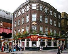 The Wellington in London, Greater London Waterloo Station, Greater London, National Portrait Gallery, London Calling, Duke, Britain, Peacocks