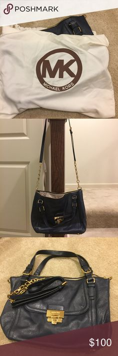 MICHAEL KORS: Shoulder bag / Crossbody LIKE NEW. Gently used. Great condition.  Color: Navy Original dust bag included.  Quick packaging / mail drop off process. Michael Kors Bags Shoulder Bags