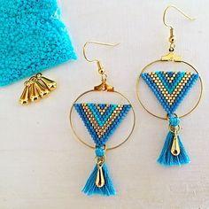 Boucles d'oréilles créoles tissage Miyuki bleu et doré: Boucles d'oréilles ... - # Seed Bead Earrings, Beaded Earrings, Earrings Handmade, Beaded Jewelry, Jewellery, Brick Stitch, Beads And Wire, Bead Art, Bead Weaving