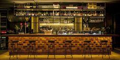 Inspirado en lo tradicional y moderno en el acabado, Foxos de Lluria es un restaurante gallego en la Barcelona más cool.