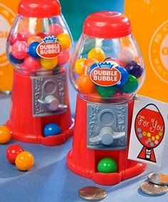 Dubble Bubble Gumball Machine Favour in Red - Pink Frosting Wedding Shop Bridal Shower Favors, Wedding Favours, Wedding Ideas, Wedding Inspiration, Wedding Candy, Wedding Bells, Diy Wedding, Wedding Decor, Wedding Reception