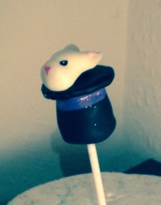 Rabbit in a hat cake pops