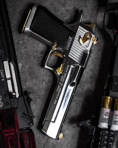 Airsoft hub is a social network that connects people with a passion for airsoft. Talk about the latest airsoft guns, tactical gear or simply share with others on this network Weapons Guns, Airsoft Guns, Guns And Ammo, Desert Eagle, Armas Ninja, Revolver, Custom Guns, Fire Powers, Cool Guns
