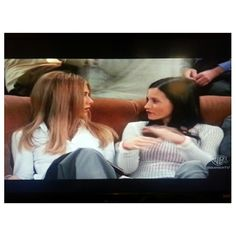 watching #friends our old time favorite #tv series :-) #chilling#relaxing#philippines#フレンズ 見ながら#リラックス#フィリピン