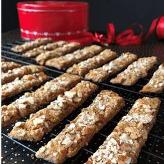 GLUTENFRIE BRUNE PINNER Krispie Treats, Rice Krispies, Sausage, Cereal, Gluten Free, Meat, Baking, Breakfast, Desserts