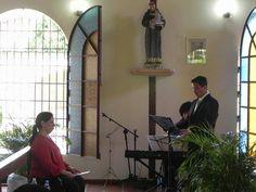 Cantando junto a mi Maestra y el Profesor Abdiel Iriarte, en Bautizo de Víctor Lucca, hijo de mi gran amigo, el Tenor Victor Sánquis.