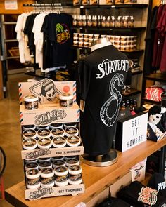 Another beautiful day here in Santa Ana. We are open until 6pm today and tomorrow we will be open from 9am-5pm. We hope to see you guys here!  2831 West 1st Santa Ana, CA 92703 #suavecito #pomade #getithombre #stayfirme #suavecitopomade #suavecitopremium #premium #spb #barber #barbershop #mensgrooming #suavecitohq #santaana