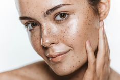 'Yoga Skin' Is the Latest Glowing Makeup Trend (and Here's How to Get It) Makeup Trends, Makeup News, Yoga Skin, Get Rid Of Blackheads, Clean Face, Look Younger, Grow Hair, Best Makeup Products, Beauty Products