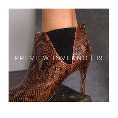 9276343f42 Bota Couro Cano Curto Shoestock Snake Feminina - Caramelo - Compre ...