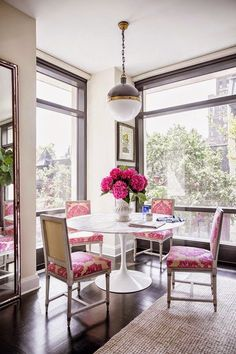 Dining room with a pop of pink! (scheduled via http://www.tailwindapp.com?utm_source=pinterest&utm_medium=twpin&utm_content=post257291&utm_campaign=scheduler_attribution)