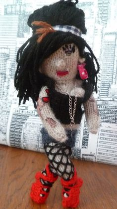 knitted amy winehouse