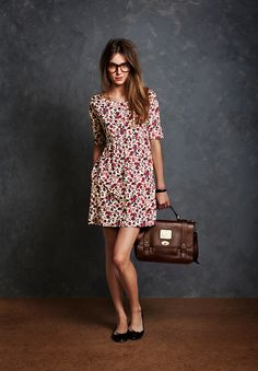 1999 in Great Britain : Floral Mini Dress + Black Ballerinas. Jack Wills Autumn Look Book I love this so much. Preppy Outfits, Preppy Style, Her Style, Fashion Outfits, Stylish Outfits, Girly Outfits, Cute Outfits, Geeky Chic, Mode Bcbg
