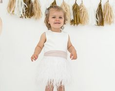 Dress Fé // Flower girl // Bridesmade // Wedding // Bridal // Partydress // Baptism // Exclusive dress // Bow // Feathers // White & Mint