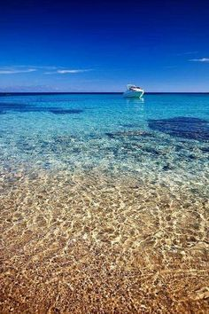 Mykonos Beach, Greece - via Kostas Kastrinakis Beautiful Sites, Beautiful Places, Sand And Water, Natural Scenery, Travel Tours, Mykonos, Nice View, Dream Vacations, Beautiful Landscapes