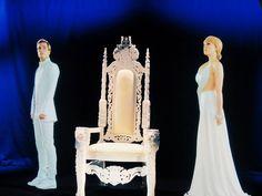 Pose next to Peeta & Johanna as living holographic portraits at the Samsung Mobile USA Galaxy Experience. #MockingjaySDCC