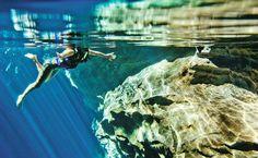 O Poço Azul tem mais de 16 metros de profundidade, e é um dos principais atrativos da Chapada Diamantina, na Bahia.