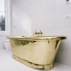 All that glitters...! Our pure #brass William Holland baths take #british #glamour to the Australian #sunshine coast Interior design and build by #robertpettybuilders and @innatehome #australia #design www.williamholland.com